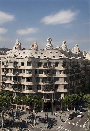 Casa mila la pedrera architektura gaudiego w barcelonie - Casa la pedrera gaudi ...